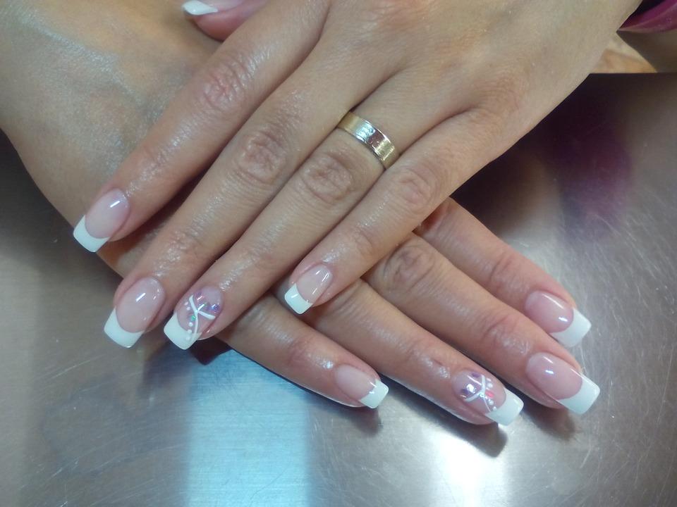 paznokcie french manicure